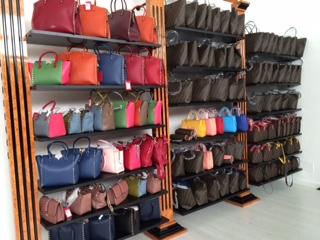 huge selection of 1193f 6b962 Ingrosso e Stock Abbigliamento, Scarpe e Borse, Outlet di ...